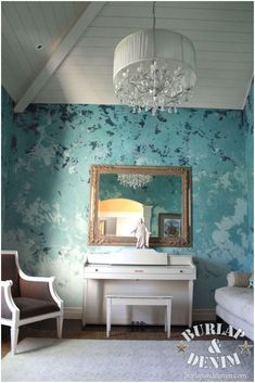This is SICK!!! Never loved another room or wall finish more than this! She is fabulous!  Anthropologie Meets Glam Living Room
