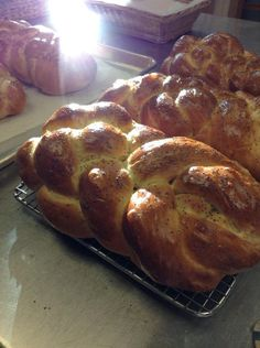 Festive Bread, Challah Bread Recipes, No Rise Bread, Egg Wash, 4 Ingredients, Banana Bread, Story Mountain, Oven, Food And Drink