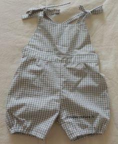 salopette courte (taille 12 mois) - Coupe-couture