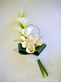 Best Indoor Garden Ideas for 2020 - Modern Lily Bouquet Wedding, Small Wedding Bouquets, Artificial Wedding Bouquets, Calla Lily Bouquet, Bridal Brooch Bouquet, Calla Lillies, Diy Wedding Flowers, Calla Lily Boutonniere, Lace Flowers