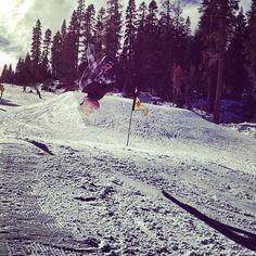 Tom is flyin' ! #northstarattahoe #ski #northstarattahoe #arctivity #gimmesomeair  2d