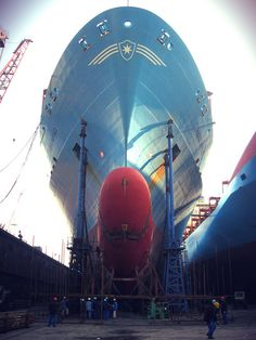 Below the Maersk Buffalo and her bulbous now.