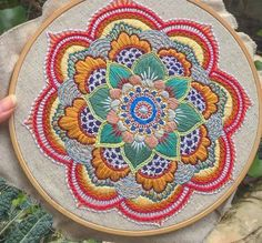Zen Stitching - How to Embroider a Mandala with No Pattern Crewel Embroidery, Mexican Embroidery, Hand Embroidery Stitches, Embroidery Hoop Art, Hand Embroidery Designs, Embroidery Techniques, Cross Stitch Embroidery, Embroidery Ideas, Creative Embroidery