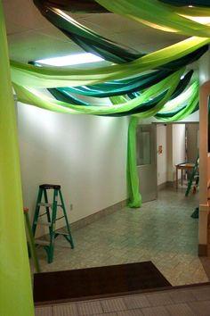 jungle idea – use for castle hallways, dining area, throne room possibilities    followpics.co