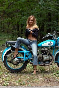 51 ideas for motorcycle wallpaper biker babes Motorbike Girl, Bobber Motorcycle, Motorcycles, Motorcycle Girls, Triumph Bikes, Scooter Girl, Lady Biker, Biker Girl, Biker Baby