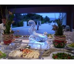 a sculpture that adds elegance at your buffet