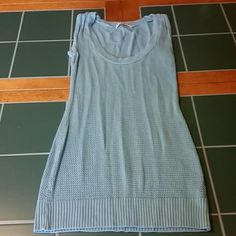 Sweater tank EUC blue sweater tank. Small snag near neckline, see pic 2. forever Tops Tank Tops