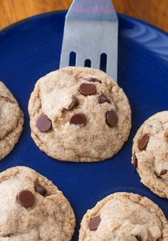 Gooey Middle Chocolate Chip Cookies | Chocolate-Covered Katie | Bloglovin'