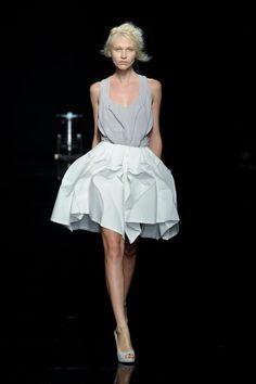 Yiqing Yin Haute Couture Fall 2012 collection.