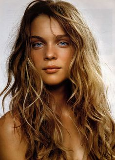 summer hair.  summer skin. beach, here i come! This is the color I'm going this summer