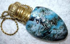 Venetian blown glass bottle in blue and turquoise with silver inclusions, brass flip top and finger ring. Perfume Atomizer, Antique Perfume Bottles, Vintage Perfume Bottles, Paris Perfume, Genie In A Bottle, Miniature Bottles, Bottle Art, Glass Bottle, Beautiful Perfume