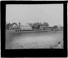 Paris, l'exposition universelle de 1900, La Seine, les serres et le pavillon de la ville de Paris. 1900.