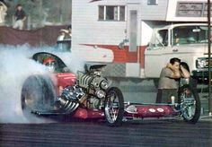 from Cars Magazine - Frantic 4 Don Prudhomme, Hemi Engine, Top Fuel, Car Magazine, Drag Cars, Car Humor, The Good Old Days, Drag Racing, Fast Cars