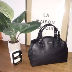 Bloggers favorite! Cole Haan black leather bag.❤️ Cole Haan Done black satchel. Details in picture. Ask me if you have any question or need more pic! NWOT! Never used Cole Haan Bags