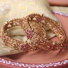 Baby Jewelry, Gold Jewelry, Jewelery, Gold Bangles Design, Jewelry Design, Thread Bangles, Imitation Jewelry, Stone Bracelet, Necklace Designs