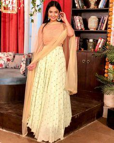 Is Endless ❤️ Diwali Outfits, Diwali Dresses, Lehnga Dress, Lehenga Gown, Indian Designer Outfits, Designer Dresses, Cute Little Girl Dresses, Celebrity Fashion Looks, Dress Sketches