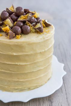 raspberri cupcakes: Vanilla Malt Cake with Honeycomb and Maltesers Baking Recipes, Cake Recipes, Dessert Recipes, Desserts, Malteser Cake, Honeycomb Cake, Tall Cakes, Malted Milk, Cake Tins