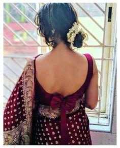 Indian Blouse Designs, Blouse Back Neck Designs, Bridal Blouse Designs, Sari Design, Choli Blouse Design, Silk Saree Blouse Designs, Blouse Sexy, Sleeveless Blouse, Bow Blouse