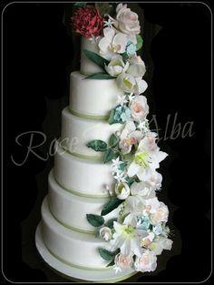 All sugar flower Wedding Cake !