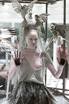 Alexander McQueen Spring 2001 Ready-to-Wear - Collection - Gallery - Style.com
