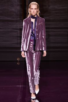 Nina Ricci - Spring 2017 Ready-to-Wear