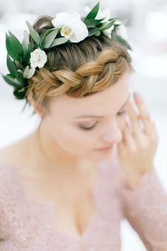 Greenery wedding hairstyle via 4lovepolkadots  / http://www.deerpearlflowers.com/modern-copper-marble-wedding-inspiration/