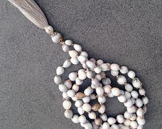 EdelEdelsteinSchmuck auf Etsy Pearl Necklace, Pearls, Silver, Etsy, Jewelry, Fashion, Fashion Styles, Gems Jewelry, Rhinestones