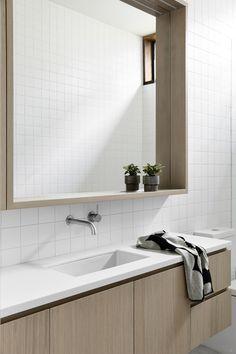 38 Best Minimalist Bathroom Design Ideas You Will Definitely Want To Try - Modern Minimalist Bathroom, Minimalist Bathroom Design, Contemporary Bathrooms, Bathrooms Remodel, Brighton Houses, Interior Design Inspiration, Contemporary Bathroom Designs, Bathroom Design Inspiration, Contemporary Bathroom