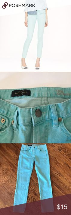 J Crew Turquoise Toothpick Ankle Jeans J. Crew light turquoise ankle toothpick jeans. Only worn once or twice - excellent condition! Slim throughout hip and thigh, with a skinny cropped leg. Sits lower on hips. Traditional 5-pocket styling. 99% cotton, 1% spandex. Adorable for spring! Size 28. J. Crew Jeans Ankle & Cropped