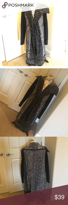 🆕 Gorgeous black & white duster - Coldwater Creek Beautiful black, gray & white long cardigan (duster) by Coldwater Creek. Size Large (14-16, according to tag). Very good, gently used condition. Fabric shown in last photo. Great to wear with leggings or jeans! Coldwater Creek Sweaters Cardigans