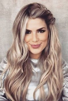54 Best Bohemian Hairstyles That Turn Heads Bohemian hairstyles are oriented on romantic souls who wish to look amazing. We have picked the most flattering boho hairstyles for you to try. Long Face Hairstyles, Best Wedding Hairstyles, Hairstyle Look, Bride Hairstyles, Summer Hairstyles, Easy Hairstyles, Hairstyle Ideas, Teenage Hairstyles, Feathered Hairstyles