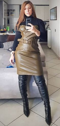 Black Leather Pencil Skirt, Leather Skirt, Botas Sexy, Leder Outfits, Thigh High Boots Heels, Leather Dresses, Sexy Boots, Hot Outfits, Dress With Boots