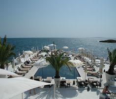 I highly recommend Puro Beach Restaurant if you go to Palma de Mallorca, Spain.