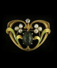 Krementz - Art Nouveau Brooch. Diamond, pearls, enamel, gold.
