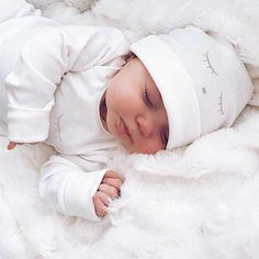 – süße Babys – – Nombres de bebés y ropa de bebé. Cute Little Baby, Baby Kind, Little Babies, Cute Babies, The Babys, Foto Baby, Cute Baby Pictures, Baby Family, Baby Online