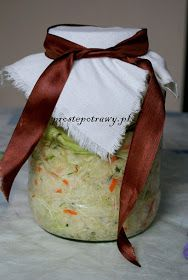 Proste Potrawy: Proste kiszenie kapusty Salad Recipes, Eat, Light Recipes, Eten