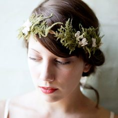 Maybe something like this for headdress after ceremony to tie in with Camouflaged theme. Woodland Hairpiece