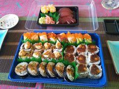 Bandeja de #sushi a domicilio del restaurante Asako #Malaga www.foodmesenger.com