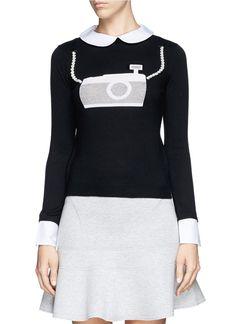 Say cheese!! ALICE + OLIVIA Camera faux pearl appliqué collar sweater | Pretty Little Liars