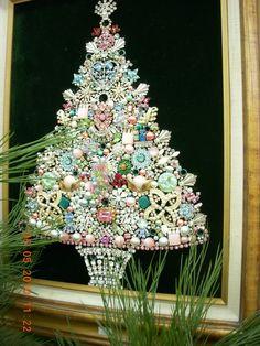 Vintage - Jewelry Christmas Tree  I want to make one someday. My grandma had one.