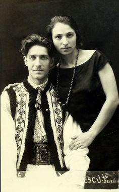 Corneliu Zelea Codreanu and his wife Elena Ilinoiu Codreanu Post War Era, Interesting Reads, St Michael, Tarzan, Stand By Me, Old Pictures, Pet Portraits, World War Ii, Vintage Photos