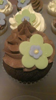 Chocolate cake and vanilla cake with chocolate butter cream and vanilla butter cream, flowers 2