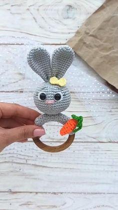 Crochet Baby Toys, Newborn Crochet, Crochet Gifts, Diy Crochet, Crochet Dolls, Baby Knitting, Crochet Bunny Pattern, Crochet Patterns Amigurumi, Beginner Crochet Tutorial