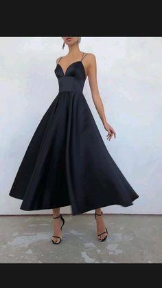 Elegant Party Dresses, Dresses To Wear To A Wedding, A Line Prom Dresses, Pretty Dresses, Strapless Dress Formal, Formal Dresses, Black Evening Dresses, Summer Dresses, Looks Dark