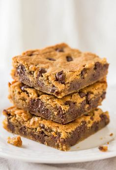 Peanut Butter Chocolate Chip Bars - Super soft bars that just melt in your mouth from all the PB! And all the chocolate!!