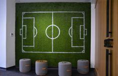 Kunstgras muur voetbalveld