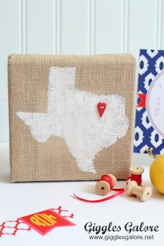Giggles Galore -- Burlap Home State Canvas with Cricut Explore. #DesignSpaceStar Round 1
