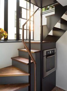 love the look of these stairs, definitely could see in a tiny house Tiny House Movement // Tiny Living // Tiny House on Wheels // Tiny House Stairs // Tiny Home Kitchen // Tiny Home Tiny House Stairs, Loft Stairs, Tiny House Living, Basement Stairs, Stairs Kitchen, Living Room, House Staircase, Entry Stairs, Basement Kitchen
