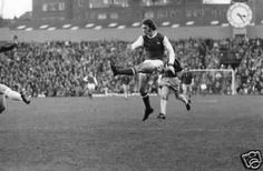 Arsenal 2 Middlesbrough 0 in Nov 1974 at Highbury. Charlie George shoots for goal Arsenal Match, Arsenal Fc, Arsenal Football, Charlie George, Middlesbrough, Running, History, Sports, 1970s