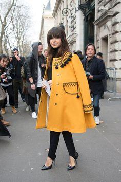 The Anatomy of a Calme Coat, as Demonstrated by Miroslava Duma - 600 x 900 Parole Spotlight – Miroslava Duma - Modern Hijab Fashion, Modesty Fashion, Arab Fashion, Russian Fashion, Vogue Fashion, Fashion Outfits, Womens Fashion, Ski Fashion, Fall Winter Outfits